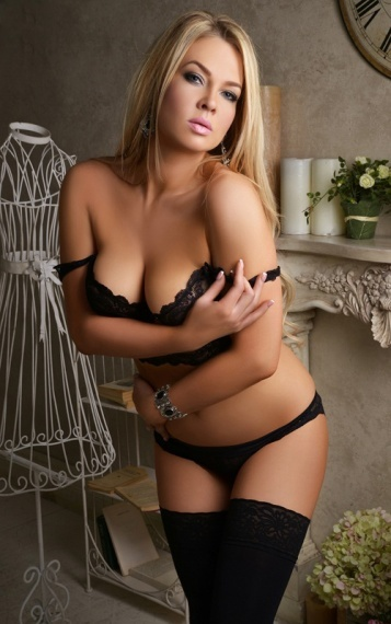 Finchley Escorts Girl