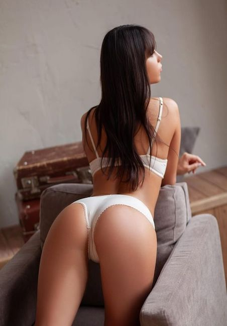 Visit Escorts in mayfair 0749 343 6128 / 07493436129